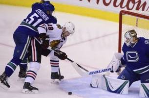 chicago blackhawks: jonathan toews' back injury officially a concern