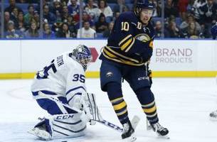 toronto maple leafs: enroth's struggles catch up to him