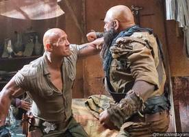 the rock has some epic fights in new 'jumanji' on-set photos