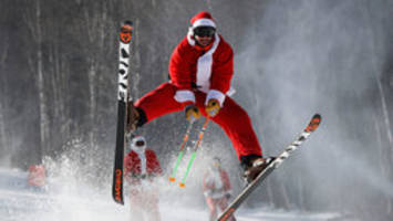 skiing santas tackle the slopes in annual maine charity
