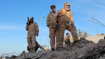 Libya conflict: IS 'ejected' from stronghold of Sirte