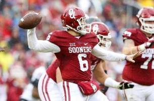 baker mayfield wins burlsworth trophy for second straight year