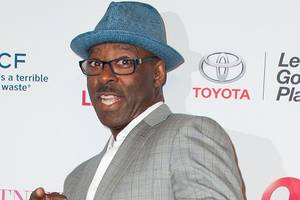 abc orders courtney b. vance comedy 'libby & malcolm' to pilot