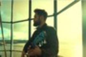 watch pop star passenger perform at the top of smeaton's tower