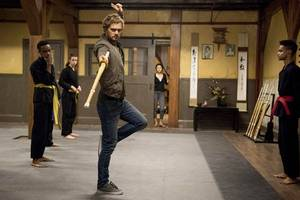 iron fist shows his martial art skills in new photos of netflix's series