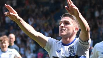 ryan lowe: bury approach crewe about player-coach role for striker