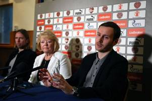 rafa benitez convinced me hearts was the place to take my first step as a boss says ian cathro