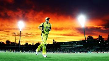 cricket fans treated to spectacular canberra sunset