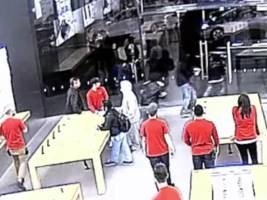 watch an apple store get robbed in 15 seconds (aapl)
