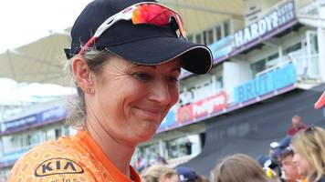 charlotte edwards: hampshire move for former england captain