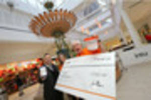 intu donates £1,000 to help get rough sleepers off of...