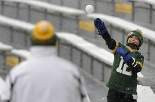 Packers vs. Seahawks: Snow expected at Lambeau Field on Sunday