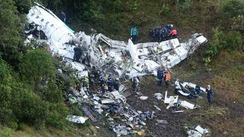 chapecoense crash: bolivia official accuses bosses of cover-up