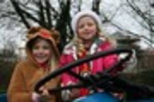 wimborne christmas parade tomorrow - find out what time it starts