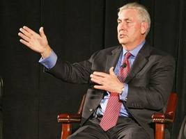 donald trump expected to pick exxon mobil ceo rex tillerson as secretary of state, reports say