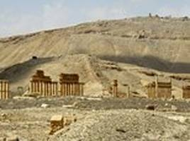 ISIS jihadis re-enter the ancient city of Palmyra after being chased out eight months ago