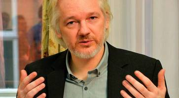 julian assange: russian government not source of leaked dnc and podesta emails - wikileaks editor contradicts cia claims in new interview