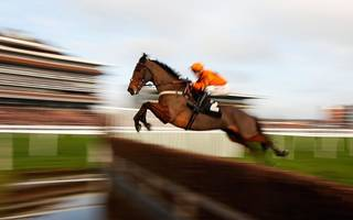 festive betting tips: thistlecrack can be crowned king before taking gold