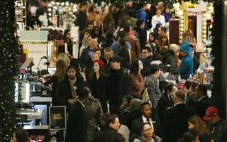 boxing day footfall slump points to domination of the online retailers