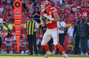 travis kelce is beasting for the chiefs