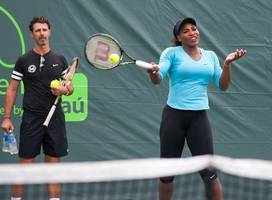 serena williams to win two slams and other 2017 tennis predictions