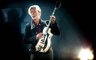 vinyl comeback led by david bowie helps uk music to vintage 2016