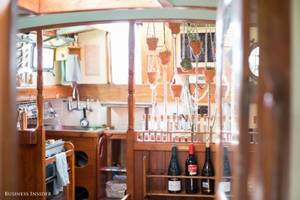 this 24-year-old entrepreneur lives on a sailboat because san francisco is so expensive — take a look