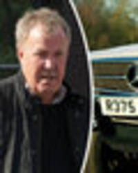 jeremy clarkson takes chelsea football stars for a ride in his mercedes
