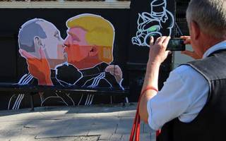 russia helped trump win the election, us intelligence says