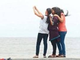 india's selfie problem: delhi hospital declares three cases of 'selficide' after youngsters develop anxiety conditions like 'body dysmorphic disorder' and 'ocd'