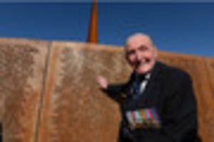 180,000 sign petition to get a knighthood for dambusters war hero...