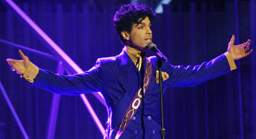 prince hoarded cash, owned 67 10-ounce gold bars when he died; avoided stocks and bonds