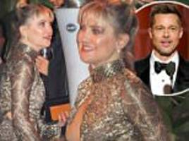 kate hudson flashes her chest at golden globes party after rumoured love interest brad pitt gets cheers