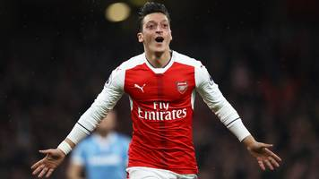 Mesut Ozil: Arsenal contract depends on Arsene Wenger's future