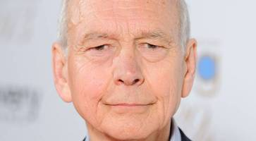 bbc 'nearly brought down' in row with tony blair's no 10 over 'john humphrys problem'