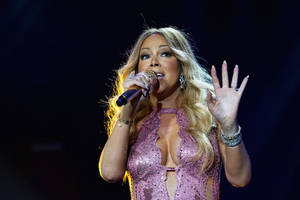 Mariah Carey Sues 'Deceitful' Promoter Over Canceled Argentina, Chile Concerts