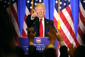 Trump calls CNN 'fake news' and BuzzFeed 'garbage' during press conference