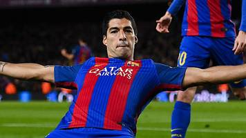 Suarez scores 100th Barcelona goal in cup win