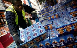 sainsbury's reports £1bn group sales over christmas week as sales edge up