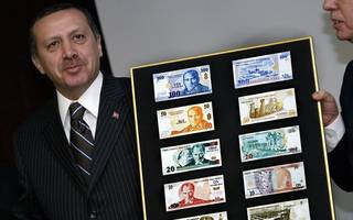 Turkey stuffing: The lira continues to plummet against the dollar