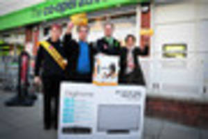 Shoppers scoop prizes to celebrate opening of new Co-op in...