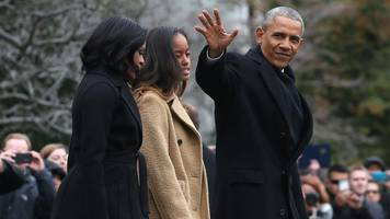 Barack Obama prepares for farewell address in Chicago