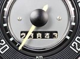 one in four uk drivers guess annual mileage on an insurance policy