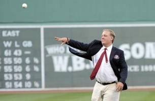 red sox: curt schilling worthy of hall of fame induction
