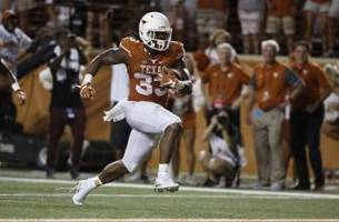 D'Onta Foreman Gets Final Accolade from Earl Campbell