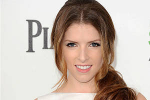 anna kendrick in talks with disney to play female santa