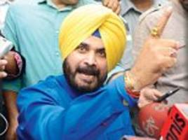 To open with the Captain? Sidhu meets with RaGa over future role with Congress in poll-bound Punjab