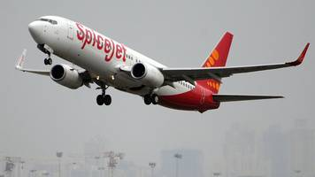 spicejet in deal to buy 205 boeing planes