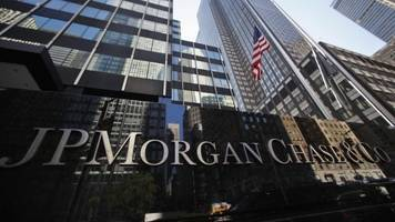 US banks JP Morgan and Bank of America boost profits