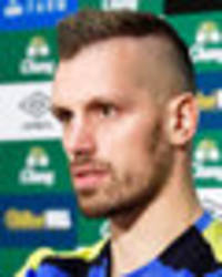 morgan schneiderlin: jose mourinho wanted me to stay at man united